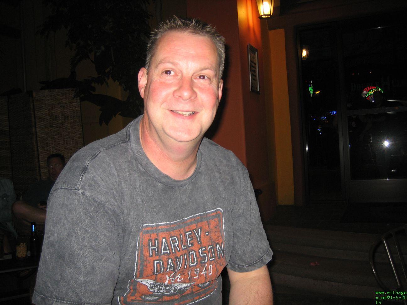 peet in hacienda hotel eerste avond is lang