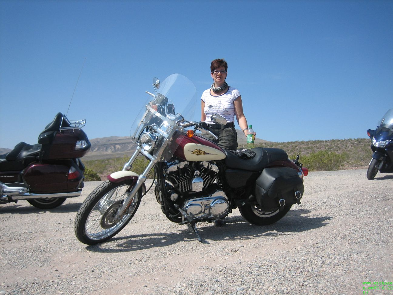 Poseren met xl1200 in Death Valley 110 degrees (44)
